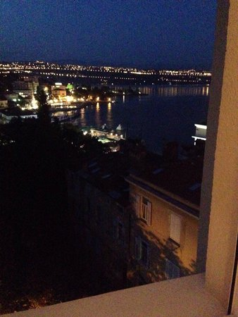 Hotel Astoria by OHM Group: Gorgeous night view from our window 5 the floor , room number 509