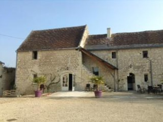 Loire Valley Retreat : Breakfast room/building