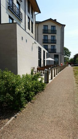 Premier Inn Stratford Upon Avon Waterways Hotel: View down the Stratford upon Avon Canal...
