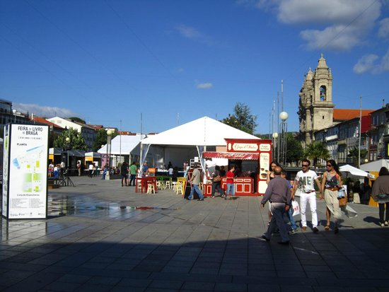 Praca da Republica: A book fair in the square