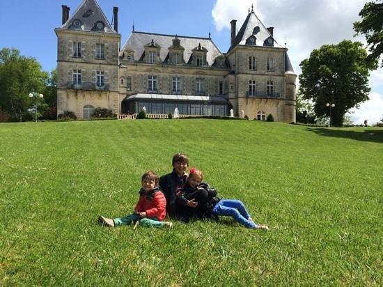 Chateau de Mirambeau : exterieur