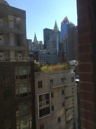 Ramada New York/Eastside: view from our room