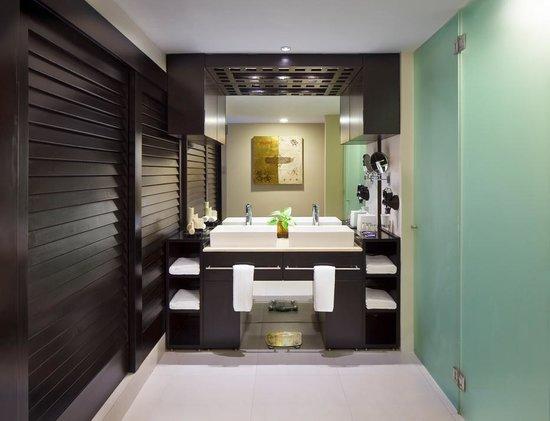 Azul Beach Resort The Fives Playa Del Carmen: Deluxe Room Bathroom