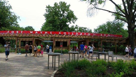 Fort Wayne Children's Zoo: Main entrance