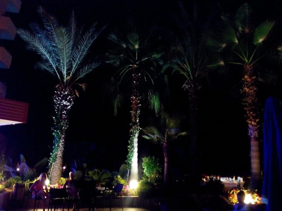 Hotel Mirador Resort & Spa: Mirador lobby night