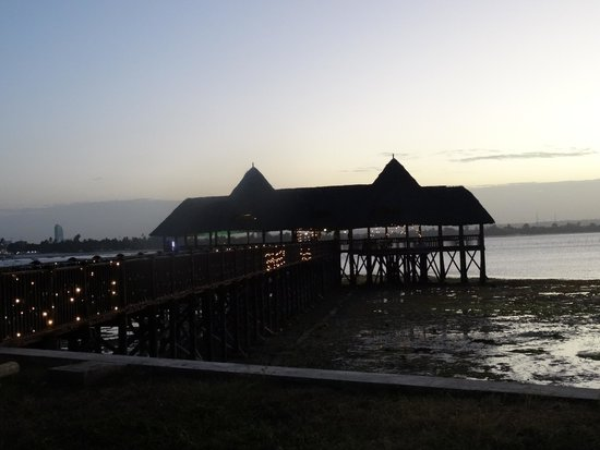 DoubleTree by Hilton Dar es Salaam-Oysterbay: Jetty and thatched open air building