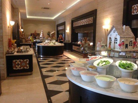 Melas Lara Hotel : buffet