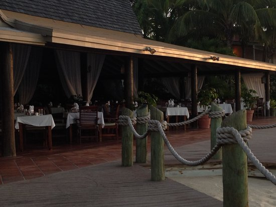 Galley Bay Resort : Seagrape restaurant - only breakfast spot and main lunch/dining as located in center of resort
