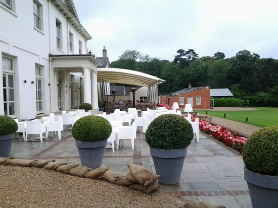 Milsoms Kesgrave Hall: Patio area