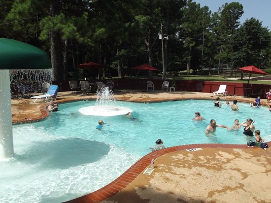 Jellystone Park At Whispering Pines Rv Amp Cabin Resort
