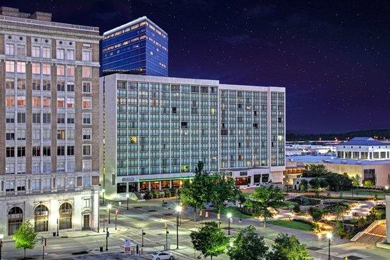 Hyatt Regency Tulsa: Hotel Exterior 2