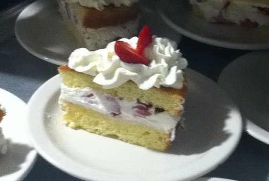 Henderson Castle Inn: Strawberry shortcake