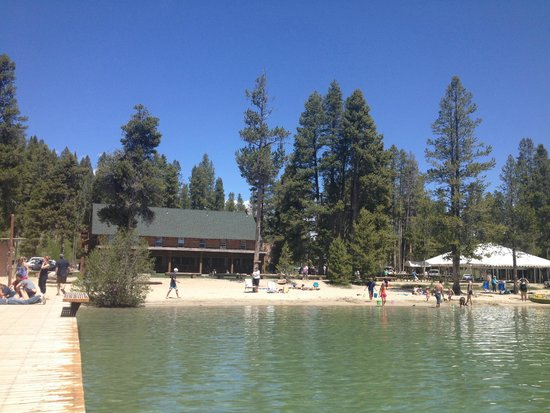 Redfish Outlet Lake: Looking back at lodge from marina