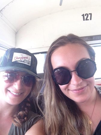Turista Libre : me And my cousin on the bus