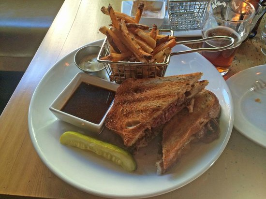 City Tap House DC: Rye French Dip