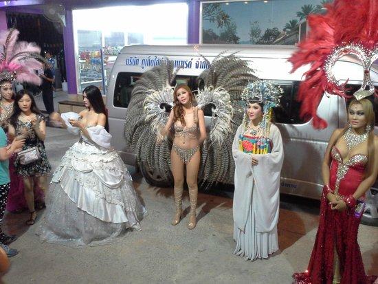 Phuket Simon Cabaret : ladyboys