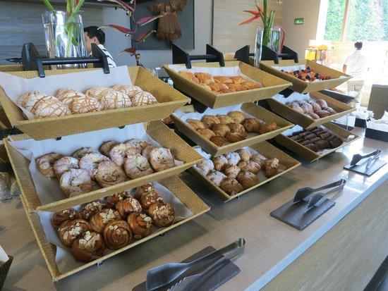 NIZUC Resort and Spa: Buffet breakfast