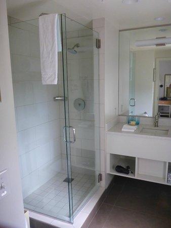 Hotel Parq Central: Bathroom Area