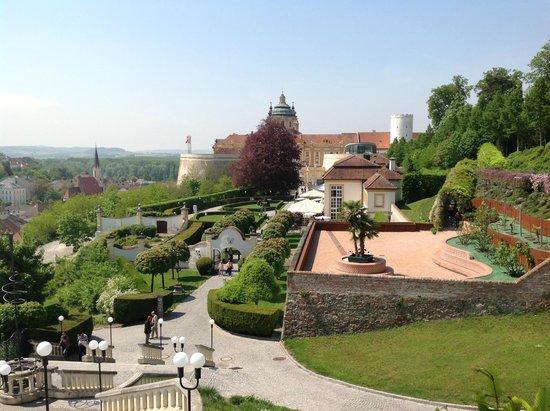 Vienna A La Carte: Melk Abbey grounds