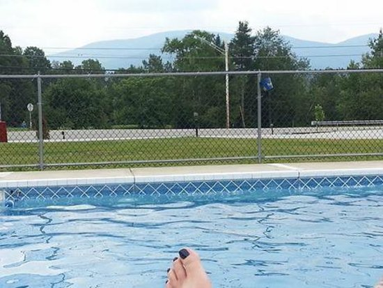 Mount Jefferson View : Pool