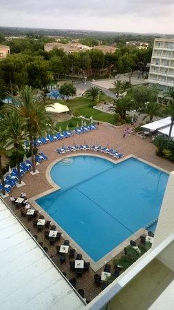 Grupotel Gran Vista & Spa: View from room 425-top pool