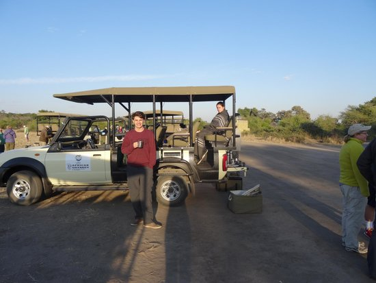 Chobe Marina Lodge: Game drive vehicle