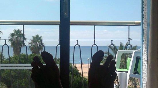 H·TOP Planamar : Widok z pokoju nad basenem