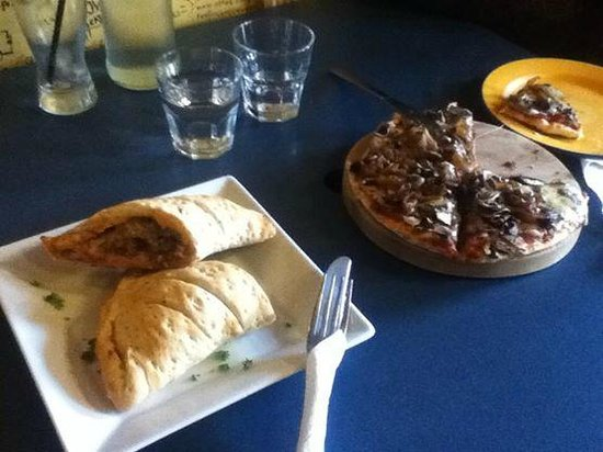 Filadelfio's Restaurant : Cheeseburger Calzone & Mushy and Onion Pizza