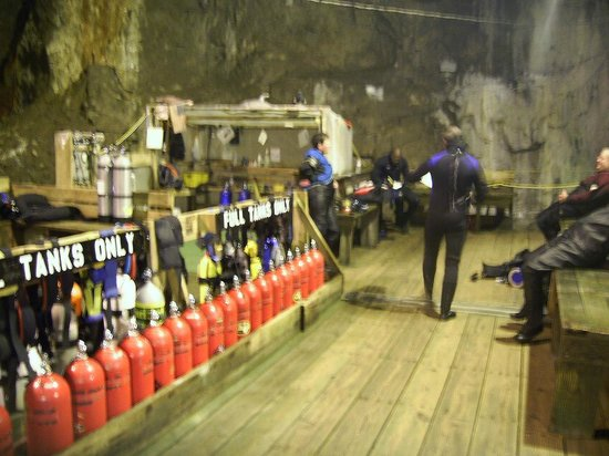 Bonne Terre Mine Tours - West End Diving: Hanging out between dives...