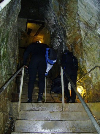 Bonne Terre Mine Tours - West End Diving: Steps up and down the levels