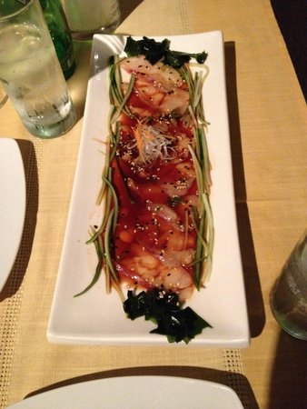 Ginger Sushi Lounge : Raw fish with tasty sauce