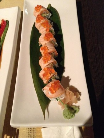 Ginger Sushi Lounge : Salmon Sushi topped with salmon eggs