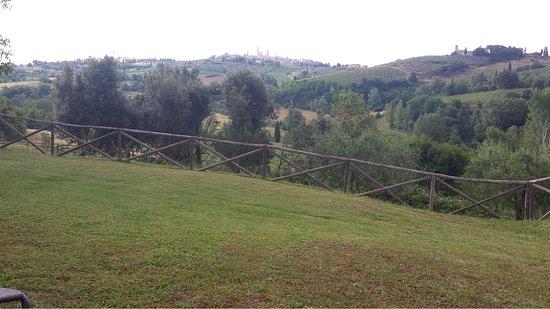Agriturismo Poggiacolle: View of San Gimingnano