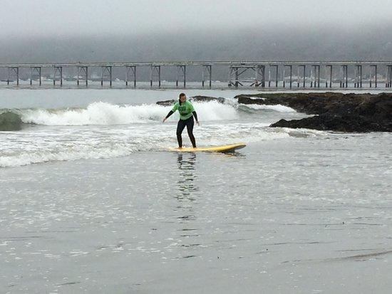 Van Curaza Surf School: Fun day surfing!