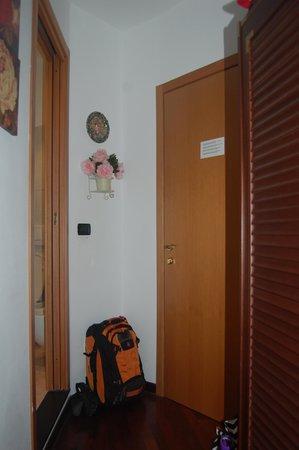 la rosa dei venti : Nowhere to go, the room is so small