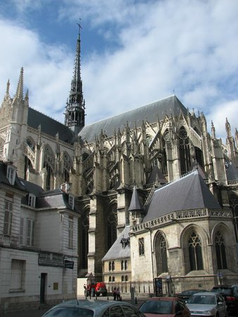 Cathédrale Notre-Dame d'Amiens : Even Disney couldn't do this.........