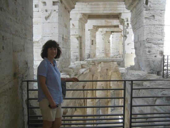 Amphitheatre (les Arenes): Amphitheatre, Arles