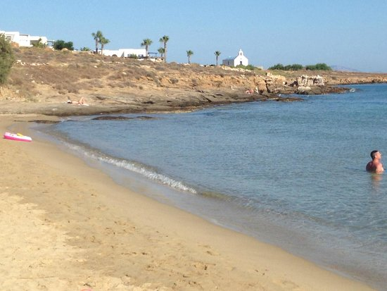 Poseidon of Paros : golden beach con vista sul Poseidon