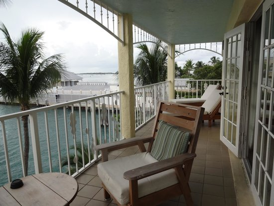 Ocean Key Resort & Spa: 2-bedroom suite on 4th floor, balcony overlooks marina