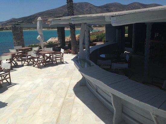 Poseidon of Paros : pool bar