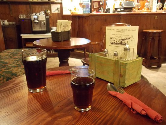 Atholl Arms Hotel: Our Moulin Brewery beer .. in the Bothy Bar