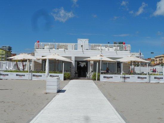 Sand Beach Club Bello