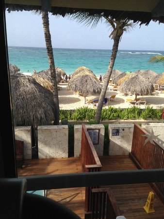 Iberostar Bavaro Suites: View from treadmill in the gym