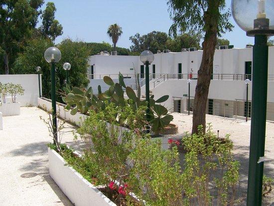 Park Beach Hotel: PRZEJŚCIE MIĘDZY BUDYNKAMI