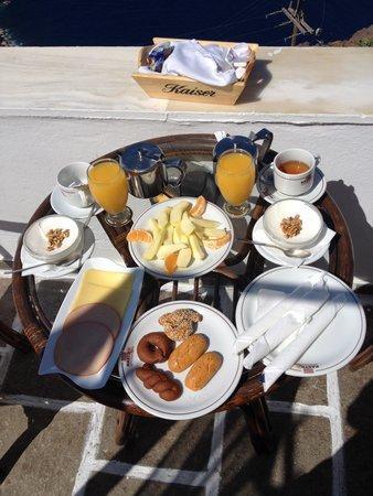 Kastro Suites Santorini: Nice Breakfast