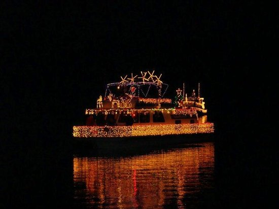 Joe Wheeler State Park : Parade of Lights every December!