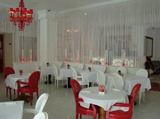 Red South Beach Hotel: COMEDOR