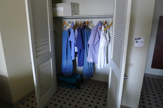 The Warwick Hotel Rittenhouse Square: The spacious walk-in closet