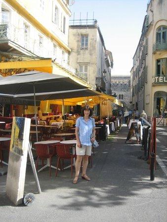 Le Café La Nuit: The famous Van Gogh cafe
