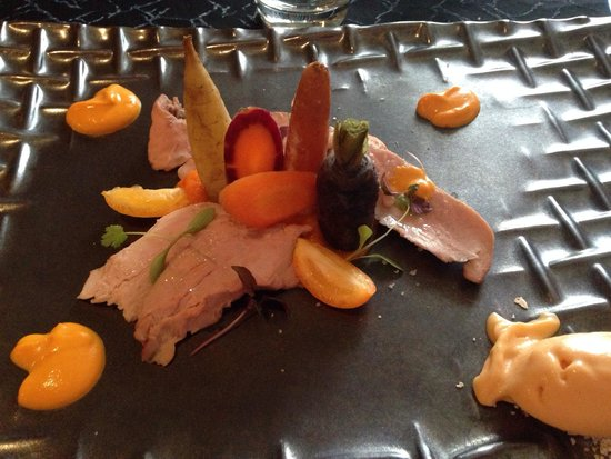 Chai nous comme Chai vous : Quasi de veau, légumes anciens et glace carottes/oranges